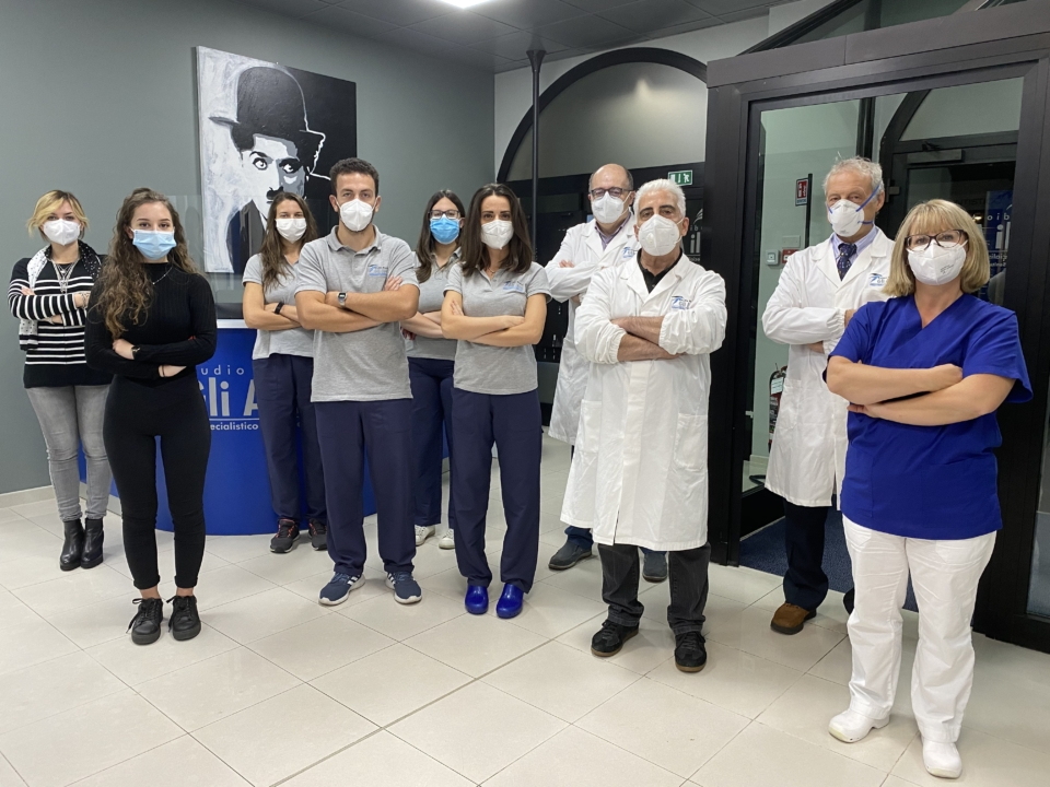 Foto gruppo con mascherina